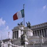 Flag in Piazza Venezia  Rome  Italy