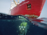 Global Explorer  an ROV Capable of Diving 9 400 Foot Works off Ship