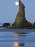Moon Setting on Bandon Beach  Oregon  USA
