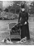Queen Alexandra with Her Chow- Chow Plumpy