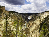 Lower Falls of Yellowstone River  Wyoming  USA