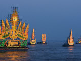 Cambodia's Illuminated Boats Make Their Way Along the Tonle Sap River
