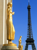 Statues with Eiffel Tower  Paris  France
