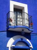 Colorful Building with Iron Balcony  Guanajuato  Mexico