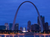 Old Courthouse and Gateway Arch Area along Mississippi River  St Louis  Missouri  USA