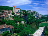 Clifftop Village Perched High Above the River Lot  St Cirq Lapopie  Midi-Pyrenees  France