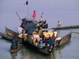 Pirogues Around Larger River Craft Carrying Passengers and Goods  Mopti  Mali