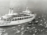 P&O Cruise Ship Canberra Returns to Southampton Water after Service in the Falklands War  July 1982