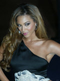 Beyonce Arrives For the Fashion Show During London Fashion Week at Earls Court September 2006