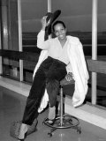 Singer Gladys Knight Poses For a Picture at Heathrow Airport October 1979