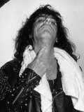 American Rock Singer Alice Cooper Shows the Marks on His Neck After a Stage Stunt Went Wrong