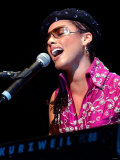Alicia Keys on Stage at Clyde Auditorium Glasgow October 2002