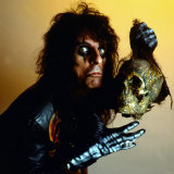 Alice Cooper Holding Skull Head September 1987
