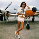 Alice Cooper at Glasgow Airport August 1975