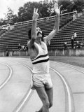 David Bedford Smashed the World 10 000 Meters Record at Crystal Palace with Time of 27 Mins 31 Secs