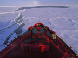 Russian Nuclear Icebreaker  Forges Towards the North Pole