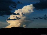 Large Cloud Forming in a Weather Cell Before a Rain