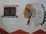 """Wall of """"Meteor City"""" on Old Route 66 is Painted To Draw Tourists"""