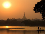 Sunset over the Shwedagon Pagoda