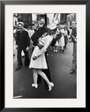 Kissing the War Goodbye  Times Square  May 8th  1945