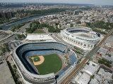 Old New York Yankees Stadium next to New Ballpark, New York, NY Papier Photo