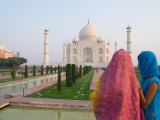 Hindu Woman at Taj Mahal  Agra  India