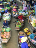 Shopping Boats at the Floating Market  Damnern Saduak  Bangkok  Thailand