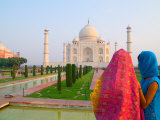 Hindu Women with Colorful Veils at the Taj Mahal  Agra  India