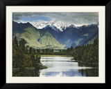 Cloud-Shrouded Mt Cook Reflected in Lake Matheson  Near Town of Fox Glacier  South Island