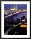 Yeni Mosque and the Galata Bridge  Istanbul  Turkey