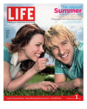 Actors Rachel McAdams and Owen Wilson Outdoors Lying on Lawn  July 1  2005