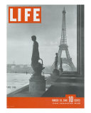 Paris  Statues with Eiffel Tower  March 18  1946