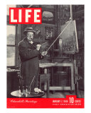 Winston Churchill at a Painting Easel  January 7  1946