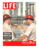 DuPont Nylon Salts Plant  Foremen John McLeod and Sam Mottice Checking Blueprints  October 4  1948