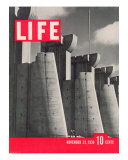 First LIFE Cover with Fort Peck Dam  November 23  1936
