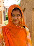 Woman in Sari Dress at Qutub Minar Complex  New Delhi  India
