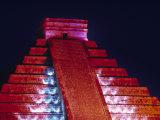 El Castillo Pyramid  Chichen Itza  Yucatan  Mexico