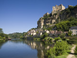Chateau at Beynac-Et-Cazenac and Dordogne River  Beynac  Dordogne  France