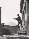 Statue at the Temple of Apollo  in Pompeii