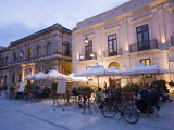 Cafe in the Evening  Piazza Duomo  Ortygia  Syracuse  Sicily  Italy  Europe