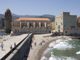 Beach  Eglise Notre-Dame-Des-Anges  Collioure  Pyrenees-Orientales  Languedoc  France  Europe