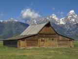 Moulton Barn on with the Grand Tetons Range  Grand Teton National Park  Wyoming  USA