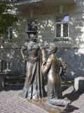 Pronya Prokopovna and Svirid Golohvastov Statue  Andeyevsky Spusk  Kiev  UKraine
