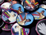 Michael Jackson Buttons Sold at Viewing of His Memorial near Apollo Theatre  July 7  2009