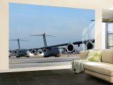Formation of US Air Force C-17 Globemaster III&#39;s Prepare for Departure
