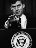 Bush Sr Presidency US Vice President Dan Quayle at Press Conference  1989