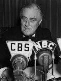 US President Franklin D Roosevelt Delivering Fireside Chat On the European War  September 3  1939