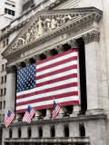 The facade of the New York Stock Exchange draped in the American Flag Papier Photo