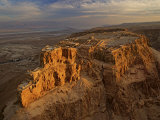 Herod&#39;s three-tiered palace cascades down the north face of Masada