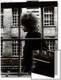 Bob Dylan passant devant une vitrine de magasin à Londres, 1966 Acrylique